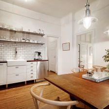 biała kuchnia skandynawska z rustykalną nutą (27097)